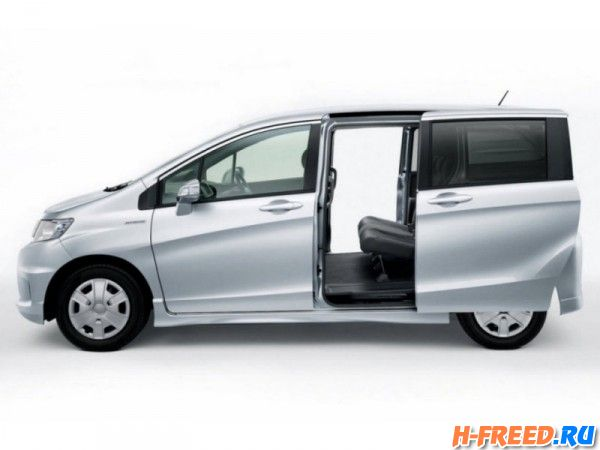 Honda_Freed Spike_05